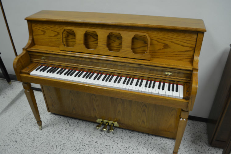 Kimball American Select Oak Decorator Upright