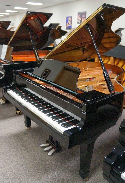 Yamaha C3 Grand Piano 2005