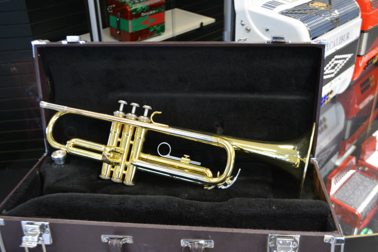 Yamaha Trumpet gold lacquer used