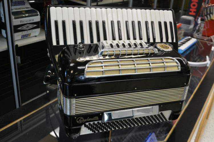 Used La Duca Symphonette Accordion