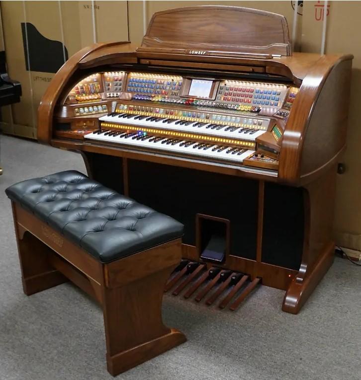Lowrey Prestige Organ