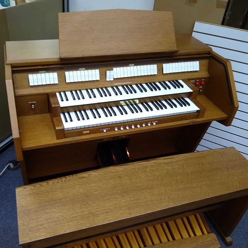 Viscount Model 60 Church Organ