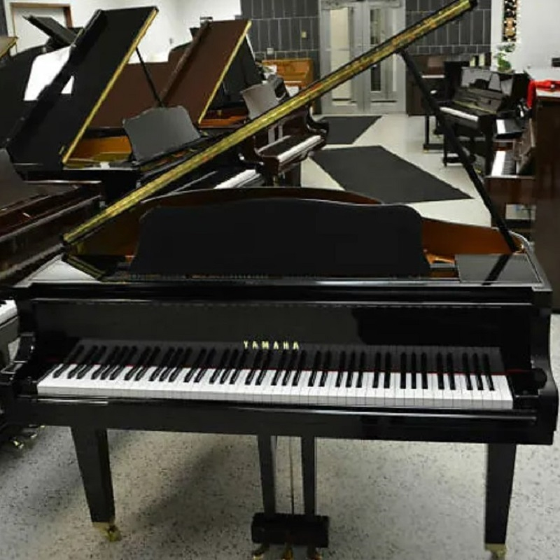 Yamaha Grand Piano Black Polish
