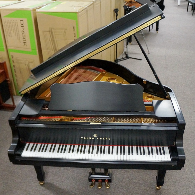Young Chang Grand Piano Ebony Satin