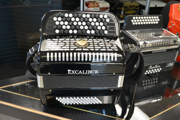 Excalibur Chromatic 60 Bass Button Accordion