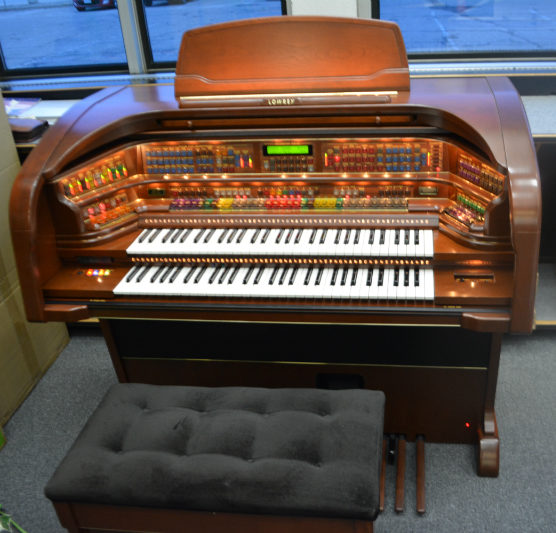 Lowrey Majesty Organ