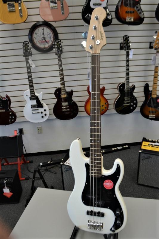 Squier Precision Bass White Polish
