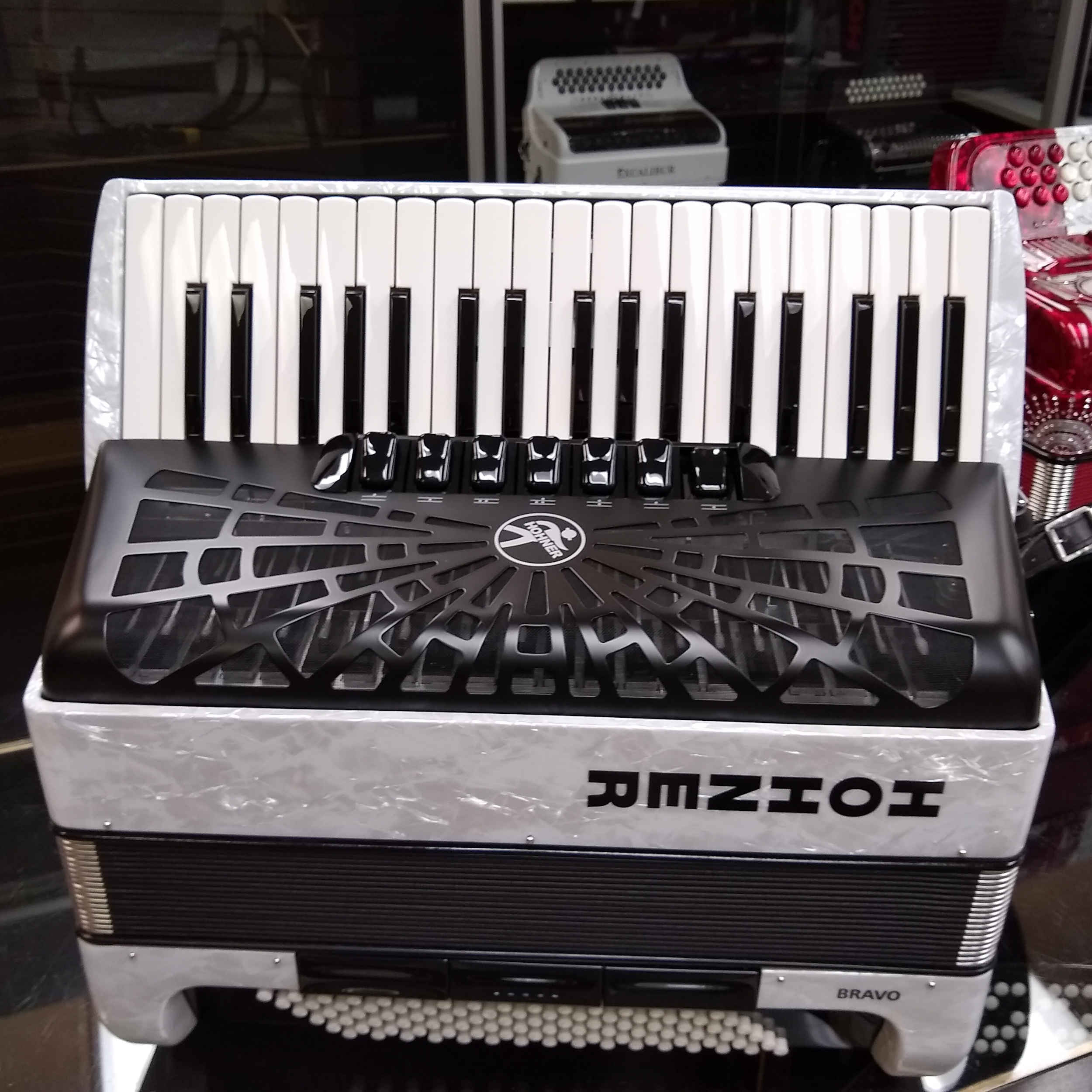 Hohner Bravo III 96 Bass Piano Accordion White Polish