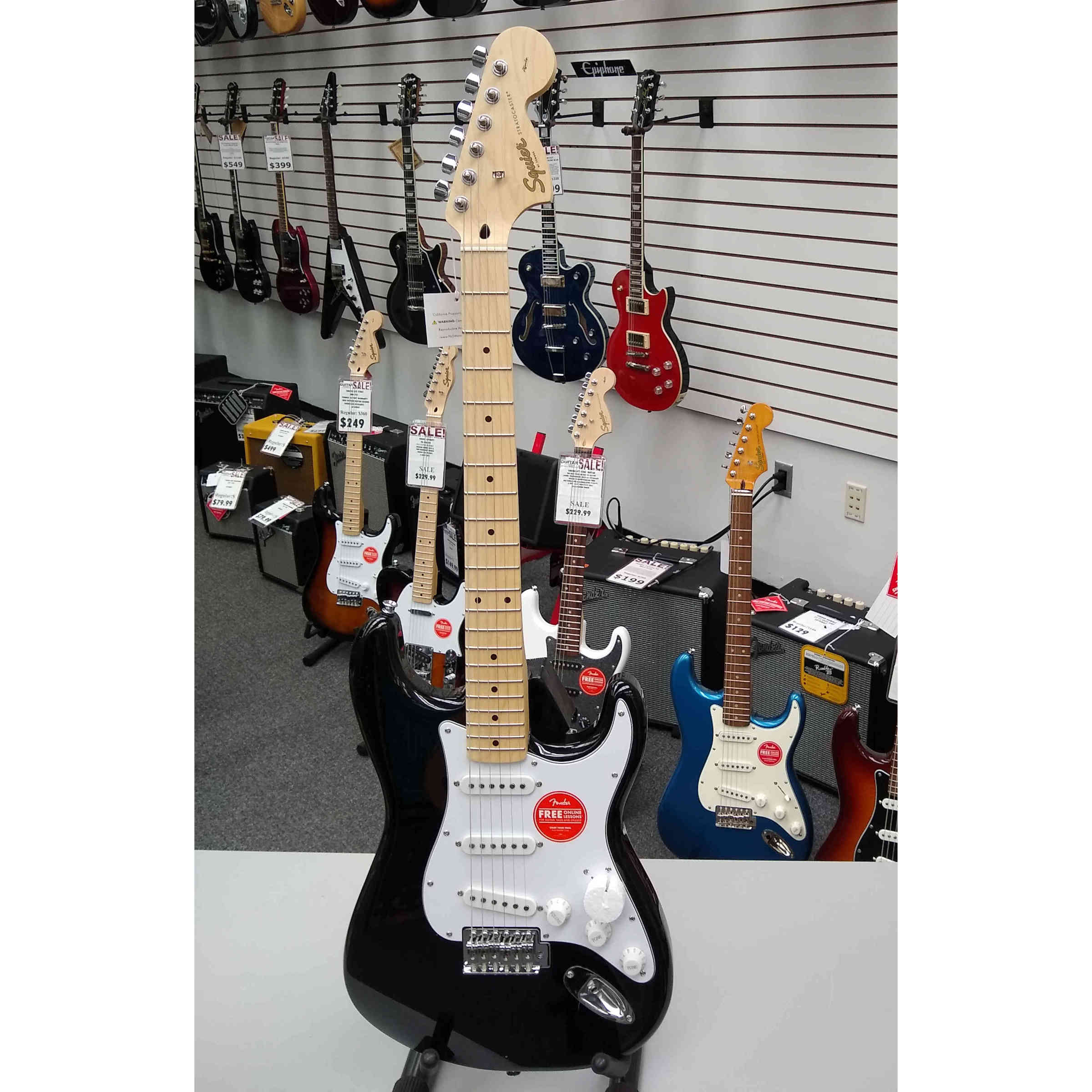 Squier Affinity Series Stratocaster - Black with Maple Fingerboard