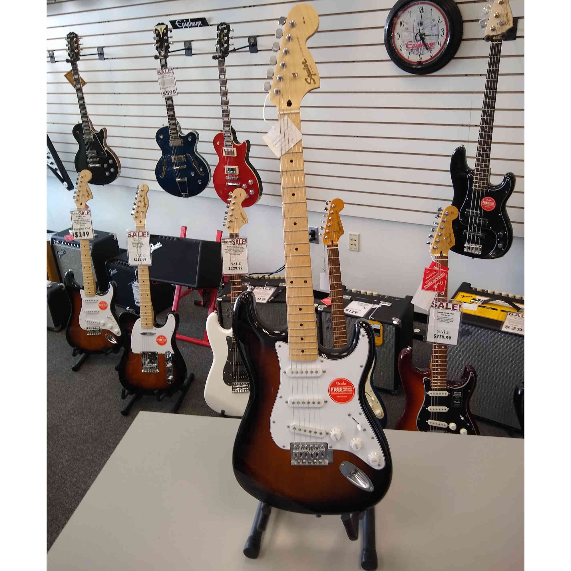 Squier Affinity Strat Tobacco Burst with Maple Fingerboard