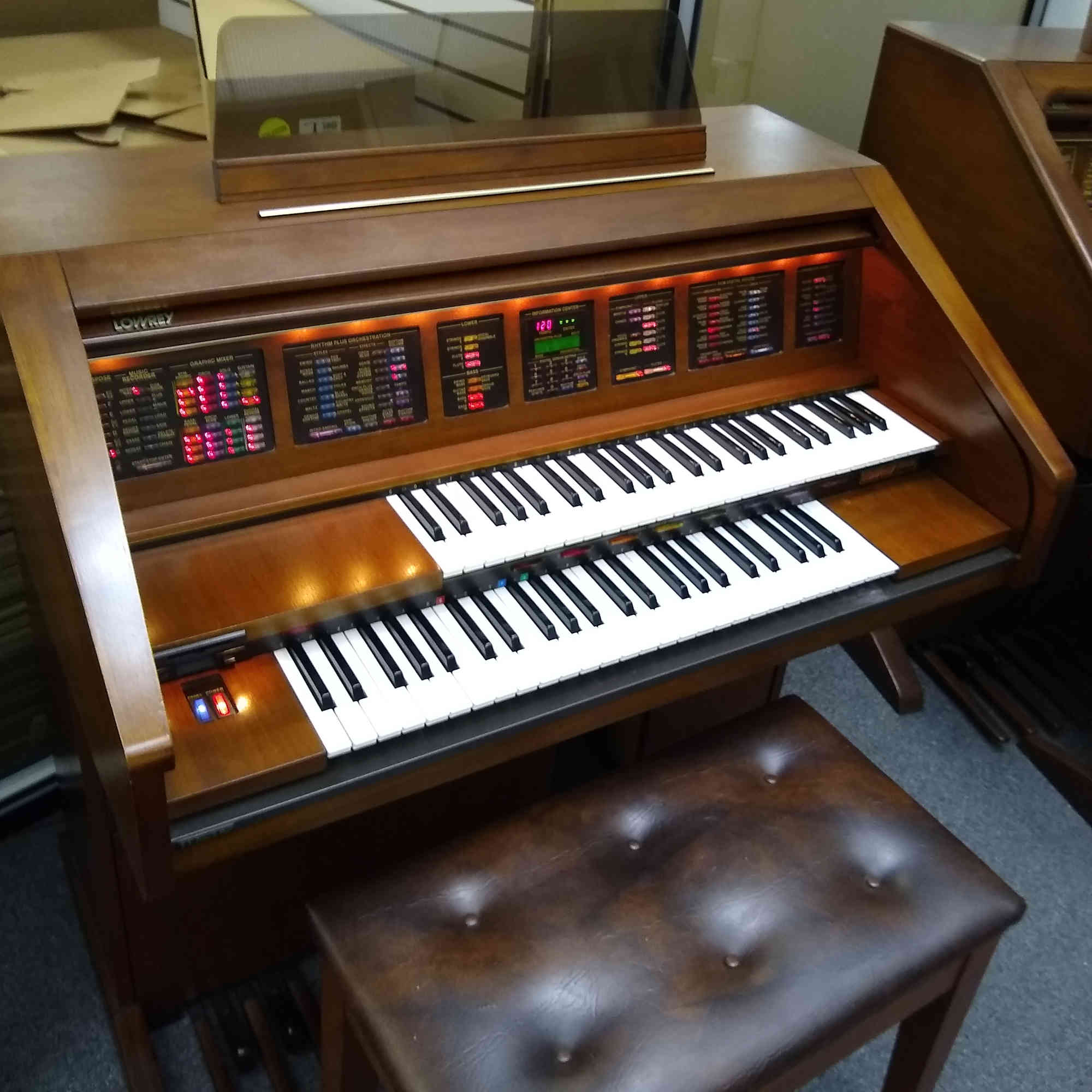 Lowrey Holiday Organ
