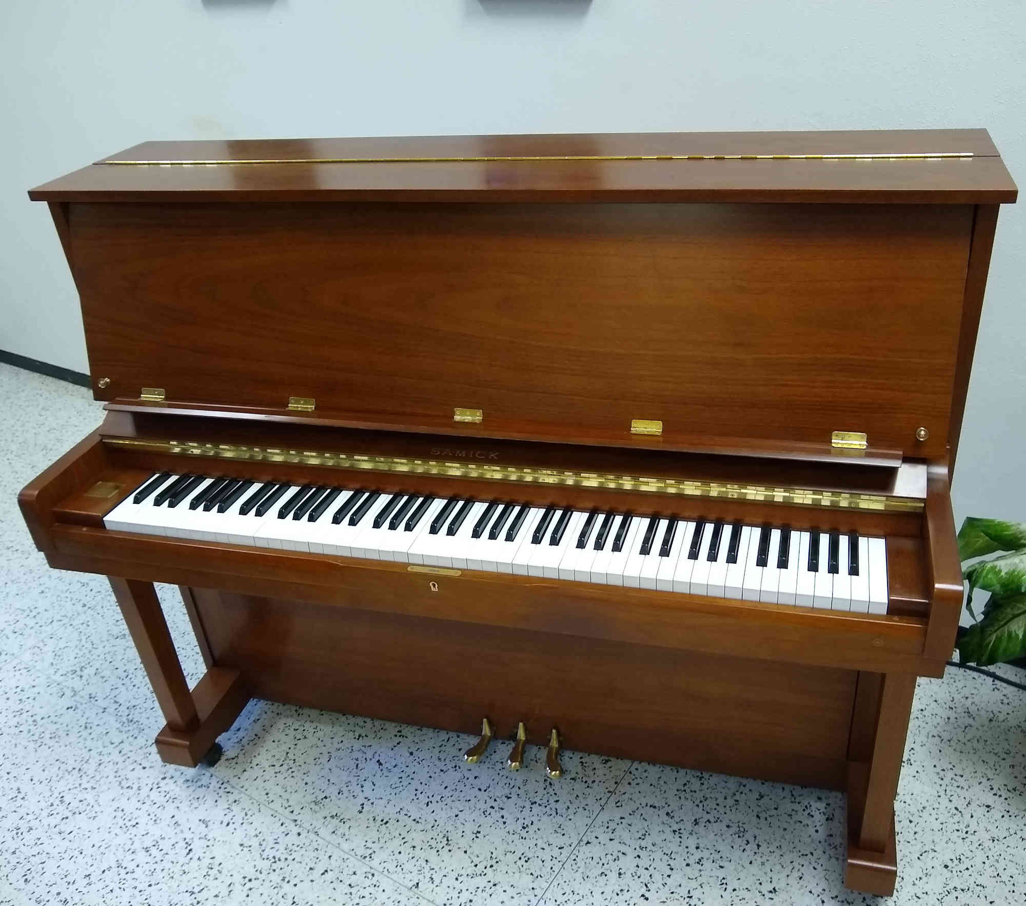 Samick Professional Upright Piano 48\