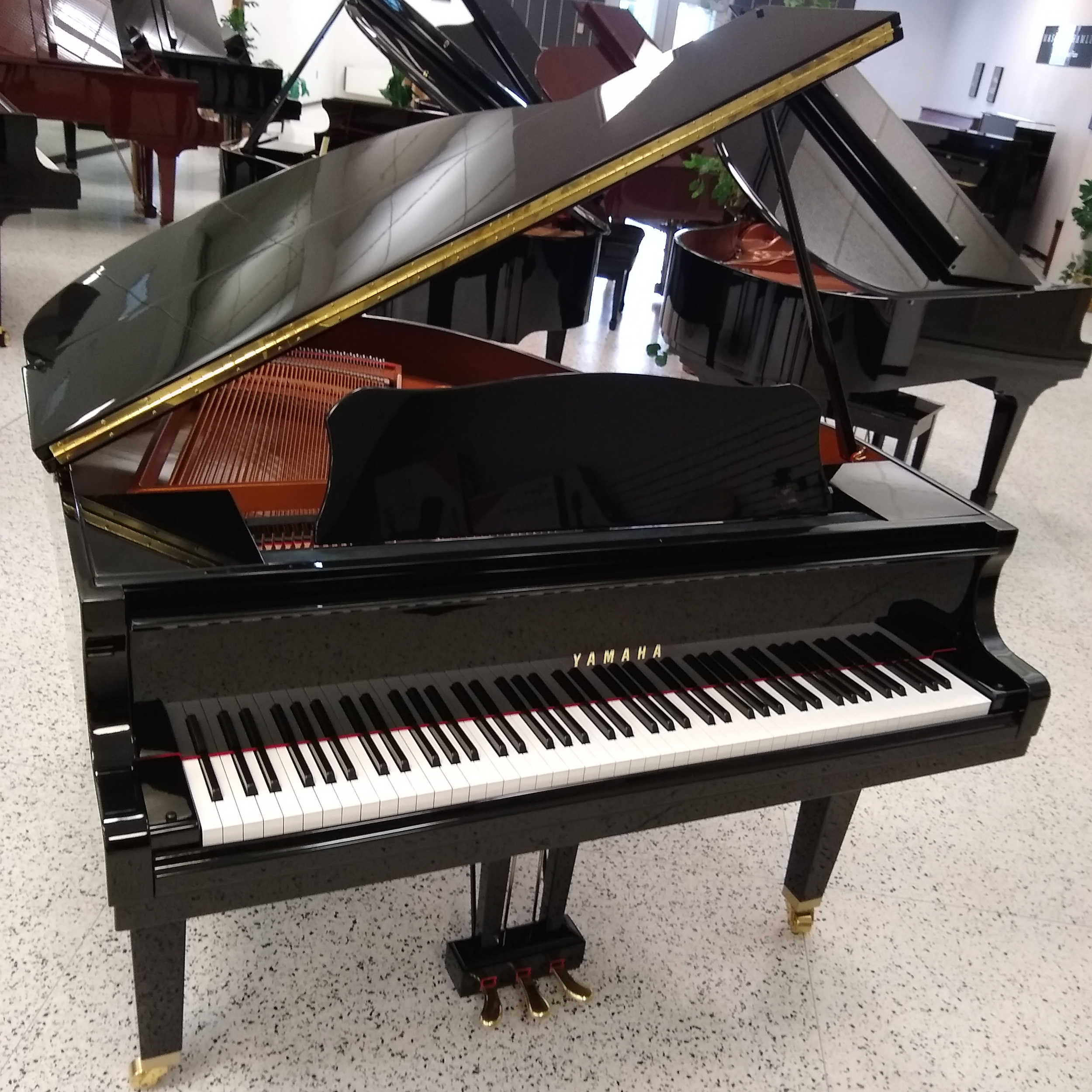 Yamaha Grand Piano Black Polish GA1