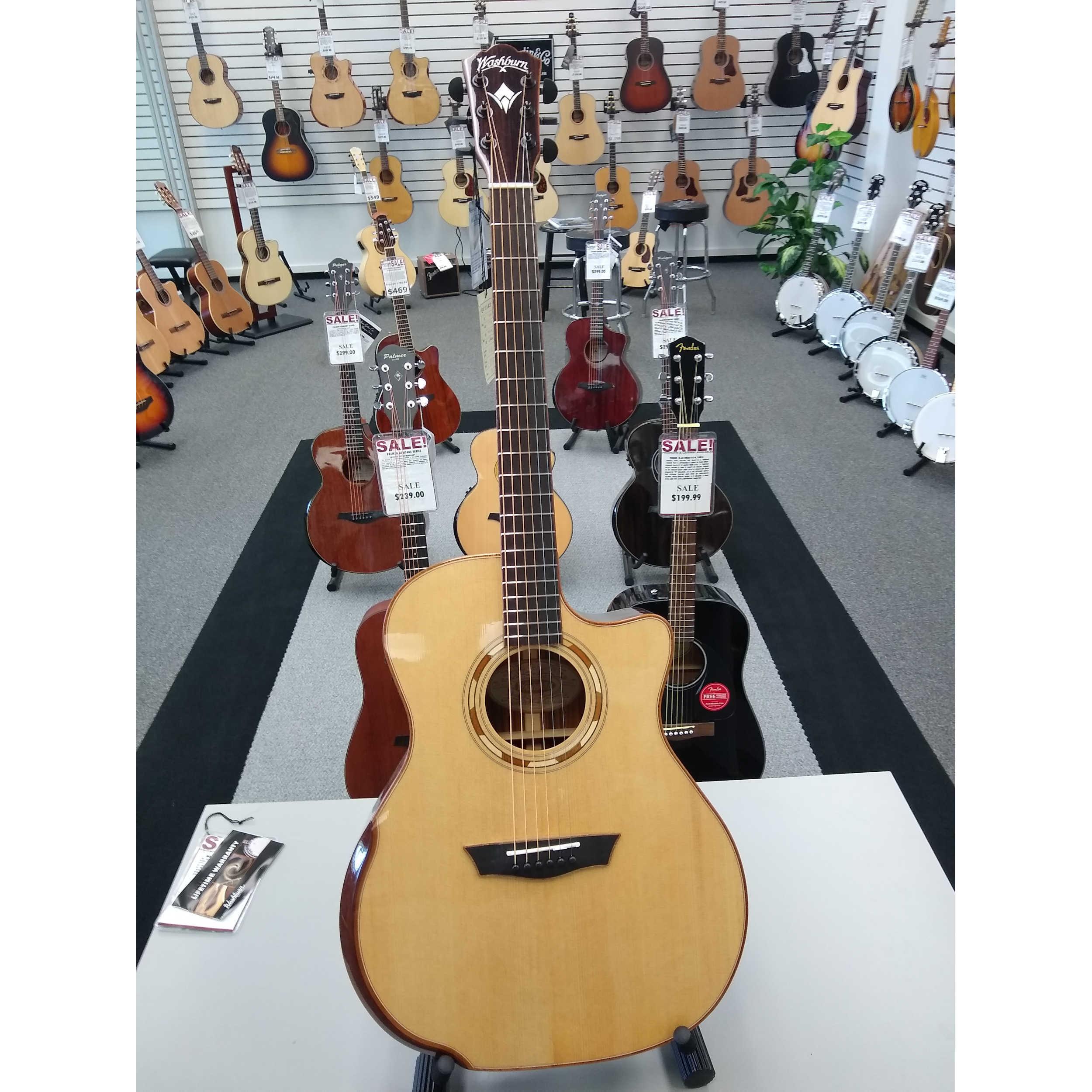Washburn G25SCE Comfort Series Acoustic Guitar