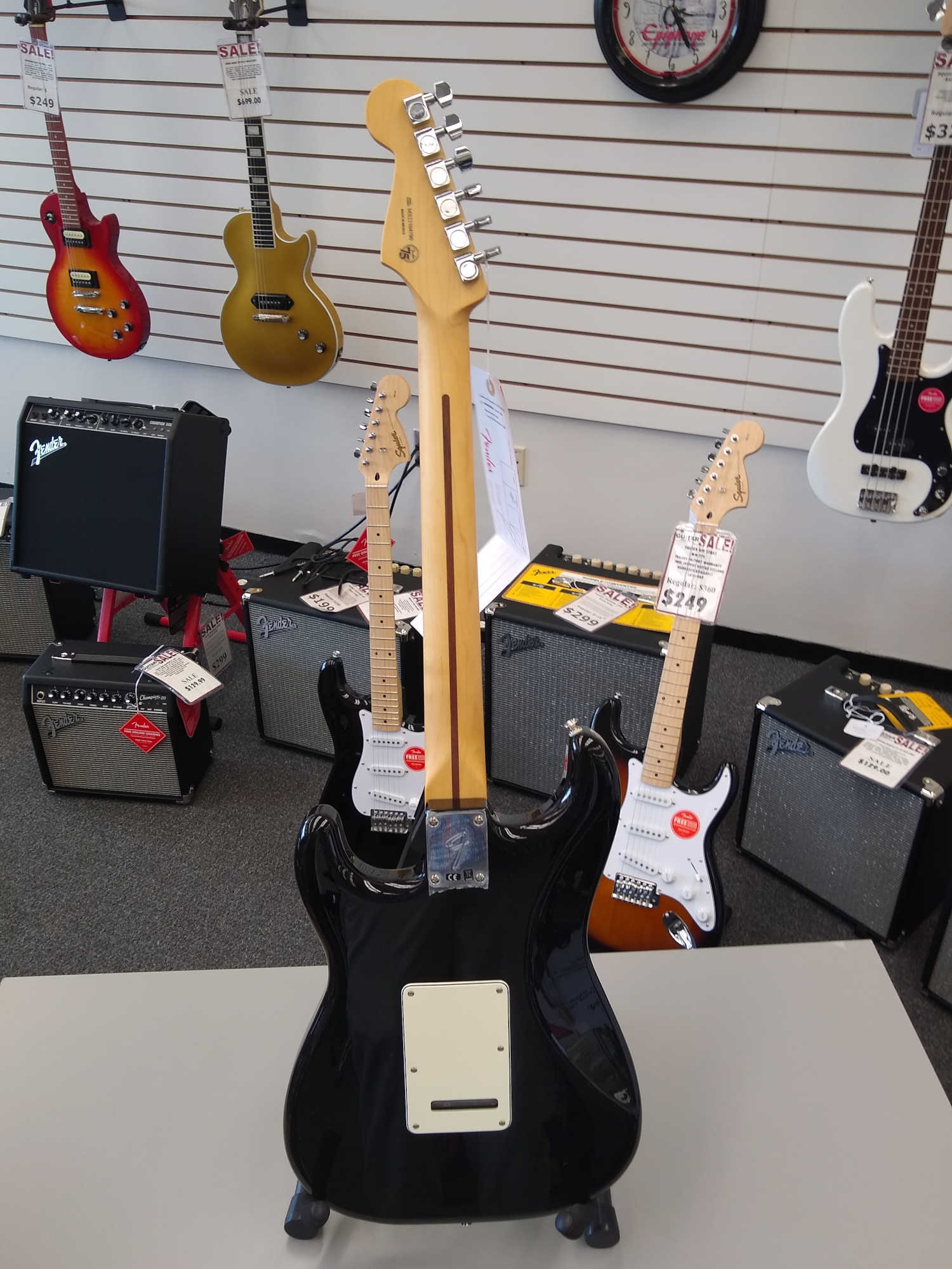 Fender Player Series Stratocaster, Maple Fingerboard, Black