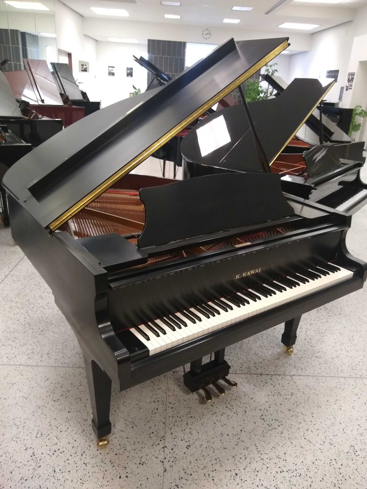 Kawai RX1 Grand Piano - Ebony Satin