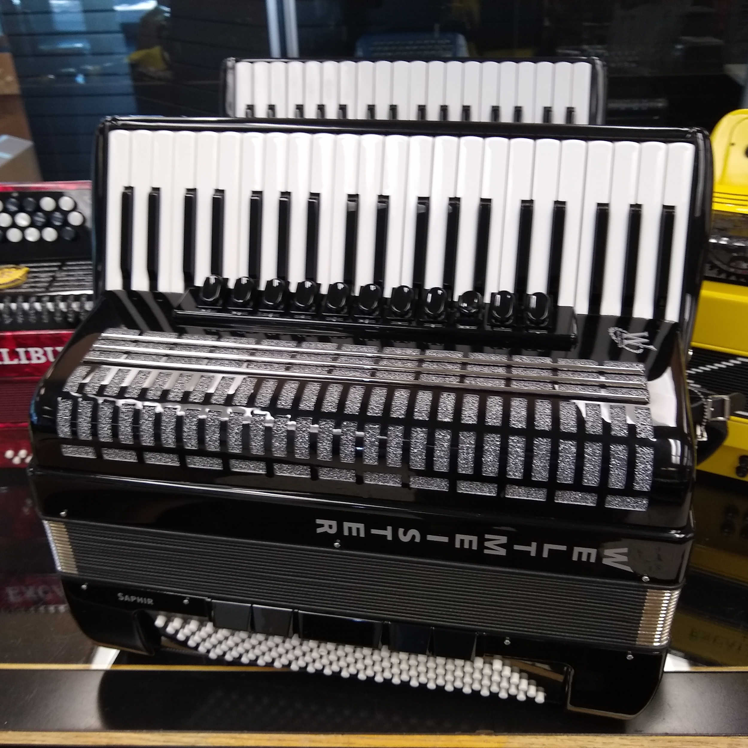 Weltmeister Saphire Piano Accordion 120 Bass - Black